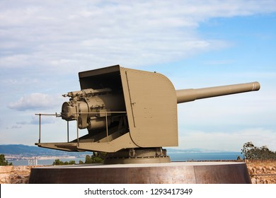 an old autocannon installed in barcelona castle