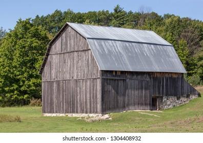 Old barn in Port Oneida rural historic district