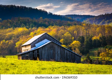 Old barn and spring colors in the Shenandoah Valley, Virginia.
