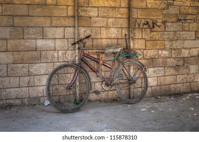 An old bicycle with flat-bread on the back in Old Cairo.