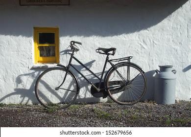 Old bike at Irish cottage house