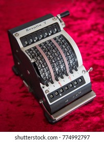 Old black counting device