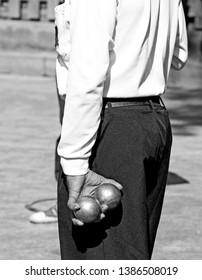 The old boule player in the city park