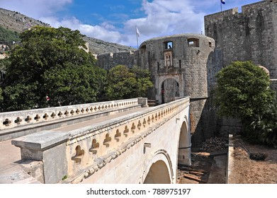 Old bridge and entrance to the old town of Dubrovnik, Croatia