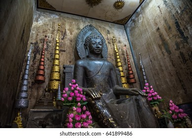 Old Buddha image at Wat Na Pha Meru in Ayutthaya, thailand