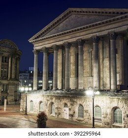 Old building of Birmingham Town Hall, UK at night