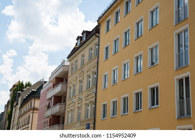 Old building and new building, row of houses in Schwabing