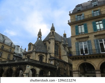 Old buildings in the city of Paris