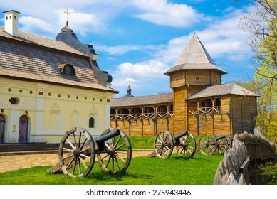 Old Cossa?k cannons are still on duty in the ancient wooden citadel. Baturin, Ukraine.