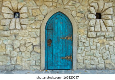 Old castle door design