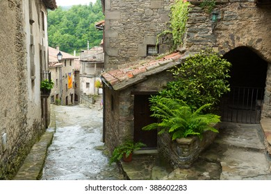 old catalan village. Rupit i Pruit, Catalonia