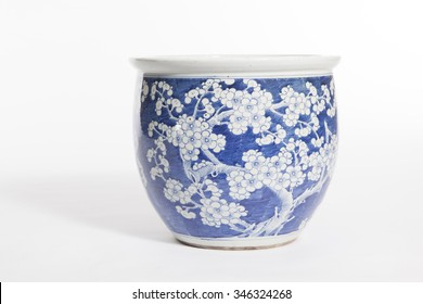 old chinese flowers pattern style painting on the ceramic bowl