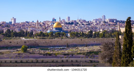 Jerusalem's old city with town wall and Aqsa Mosque, view from Mount Of Olives, Israel, Middle East