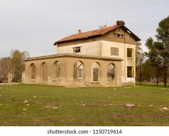 An old colonial house - Shutterstock ID 1150719614