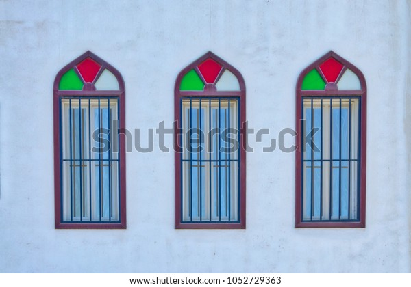 old-colorful-arabic-style-windows-600w-1