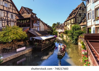 Old colorful half-timbered houses in the quatrer Petite Venise (Little Venice) in Colmar, France.