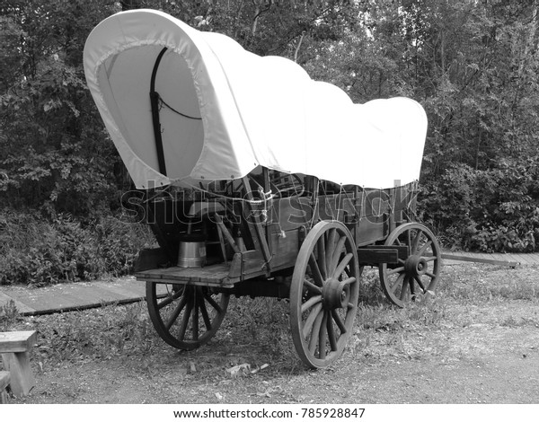 Pioneer Clipart Red Wagon - Black And White Wagon Clipart, HD Png Download  - kindpng
