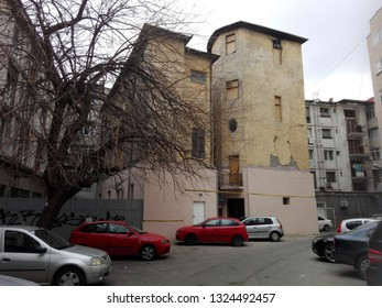 an old damaged building in Ploiesti, Romania