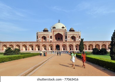 OLD DELHI, INDIA - 24 OCTOBER 2009: An unidentified group of people enter the Humayun Tomb on October 24, 2009. The Tomb was declared a UNESCO World Heritage Site in 1993.