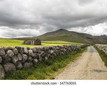 an old derelict house in a country setting in the mournes ireland
