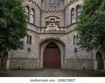 The old door of Marienburg Castle, Germany .