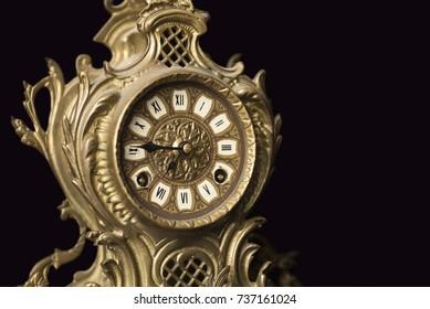 Old dragon desk clock