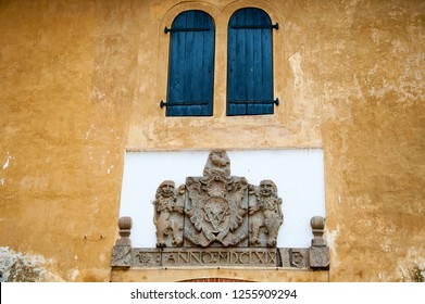 Old Dutch gate with British Coat of Arms above the entrance. Dated 1668 and inscribed with the letters VOC, an abbreviation of Verenigde Oostindindische Compagnie or Dutch East India Company.