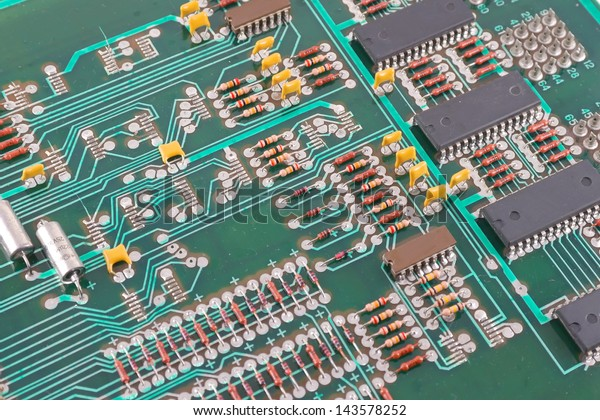 old-electronic-circuit-board-abstract-60