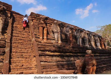 Old Elephant statue in Wat Chang Rop in the Kamphaeng Phet Historical Park, Thailand.