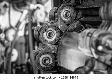 Old engine and gears in Black and White