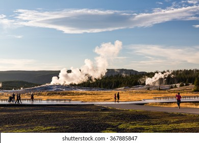 Old Faithful Geyser in Yellowstone National Park, USA