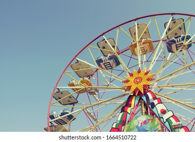 an old fashioned ferris wheel