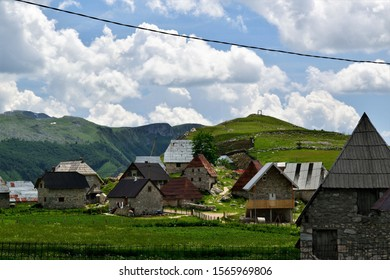 Old fashioned houses in the Bosnian countryside