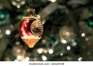 Old Fashioned Ornament