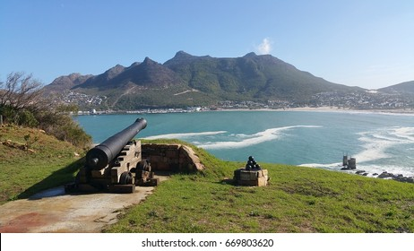 Old Fort and cannon, Hout Bay near Cape Town, Western Cape, South Africa