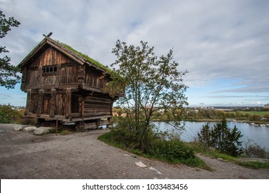 A old framing house at a swedish lake.