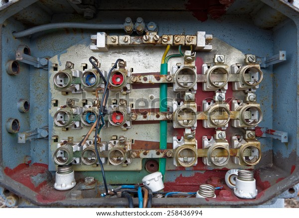 fuse box connectors old fuse box cables connectors royalty free stock image fuse box connection old fuse box cables connectors