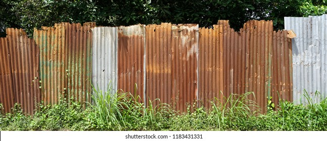 Old galvanize zinc sheet fence,zinc wall texture and background
