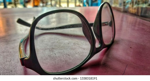 Old glasses side view photography