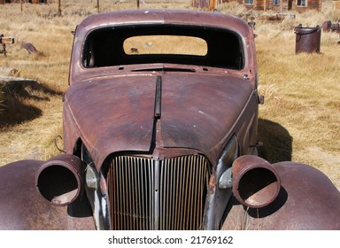 Old hotrod in decay