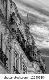 Old house in the Coimbra - Portugal (black and white)