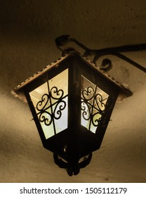 Old lamp It is located in an emblematic place of a statue located in janitzio, Michoacan State, Mexico