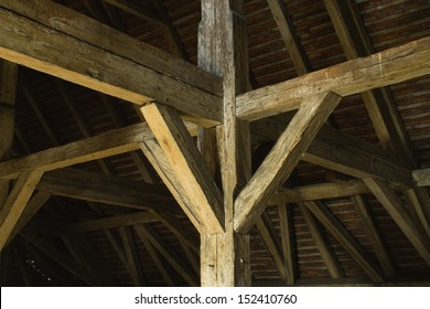 Old land, the old roof