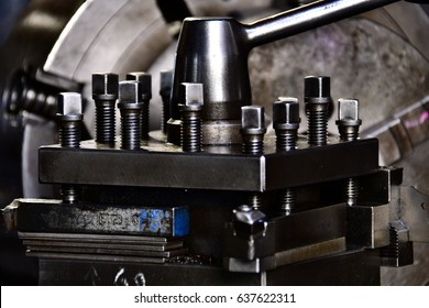 The old lathe machine tool equipment, lathe machine metal workshop