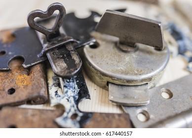 Old locks and door hinges 4