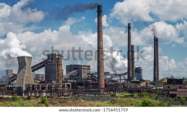 old-manufacturing-coke-plant-on-600w-175
