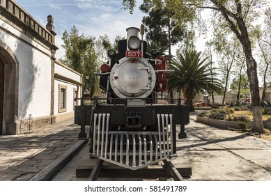 old Mexican locomotives beginning of the twentieth century,the front of the locomotive