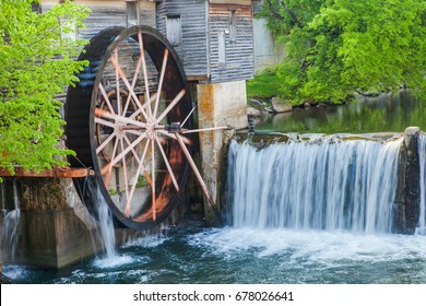 Old Mill on river in Pigeon Forge - Smoky Mountains area ,This is a famous place in Tennessee ,USA