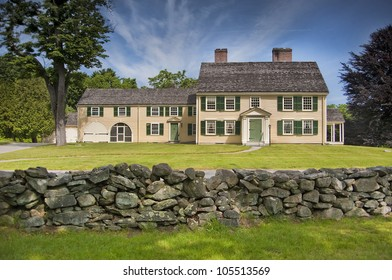 Old new england colonial home dating from 1735 in Concord, Massachusetts, USA