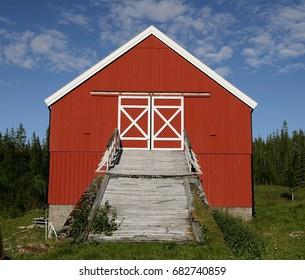 Old Norwegian barn